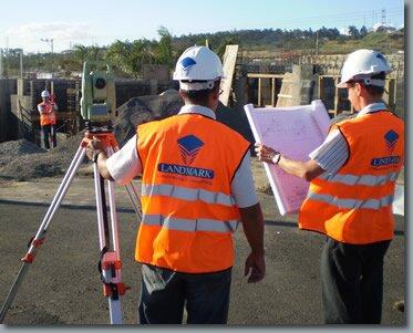 construction surveyor - land surveyor